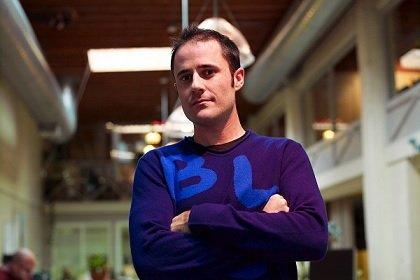 Сооснователь икрупнейший акционер социальная сеть Twitter продаст до30% своего портфеля акций компании