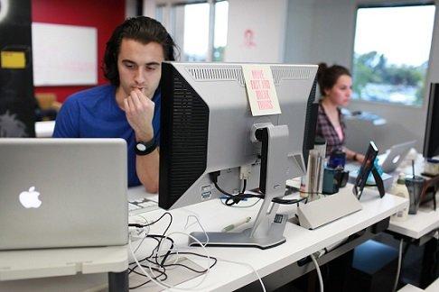 Разработчики Facebook научили машины вести переговоры