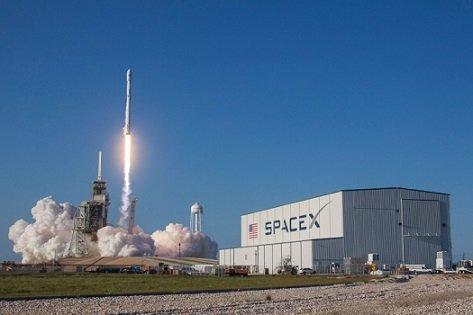 Повторный запуск ракет будет реализован SpaceX в следующем году