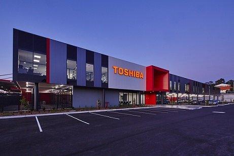 Apple хочет купить подразделение Toshiba неменее чем за $3 млрд