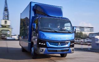 Daimler обещает ускорить зарядку электрогрузовика в 18 раз