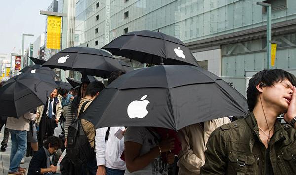 Увлечение новинками Apple стало религией
