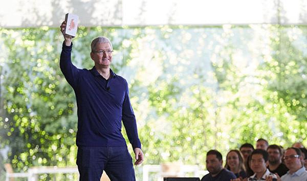 Глава корпорации Apple Inc не боится думающих машин