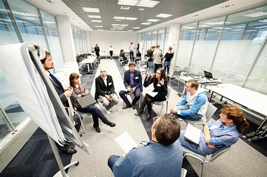 Японские страховики хотят отдать на откуп искусственному интеллекту 90% административных задач