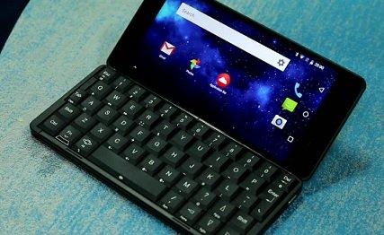 Planet Computers представила на CES смартфон с полноценной клавиатурой