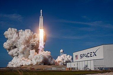 Стала известна причина крушения разгонного блока Falcon Heavy