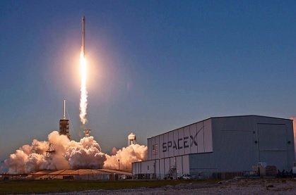 Илон Маск пообещал вывести Tesla вприбыль напротяжении года