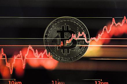Стоимость биткоина в 2017 году была искусственно раздута