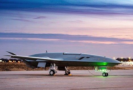 Boeing заключила первых крупный контракт на поставку беспилотных заправщиков