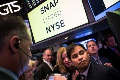 Котировки акций Snap обвалились на фоне ухода И. Хана