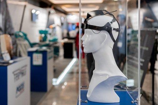 В следующем году «Ростех» планирует начать продажи гарнитуры для управления электроникой