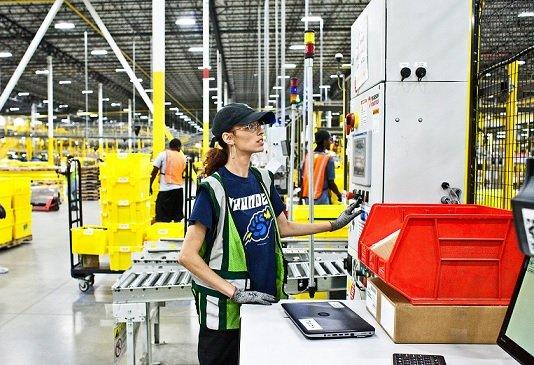 На складах Amazon могут появиться роботы-упаковщики