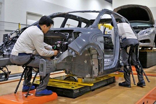 Hyundai представила экзоскелеты для тяжелой физической работы