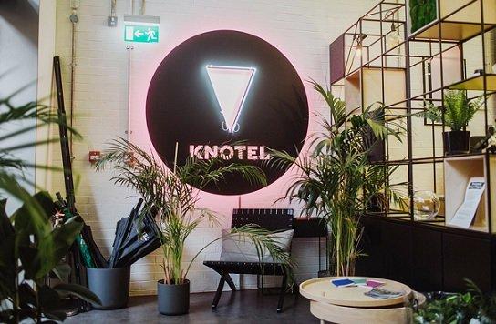 Коворкинг-сеть Knotel с оценкой в 1 млрд USD сократила 30% персонала