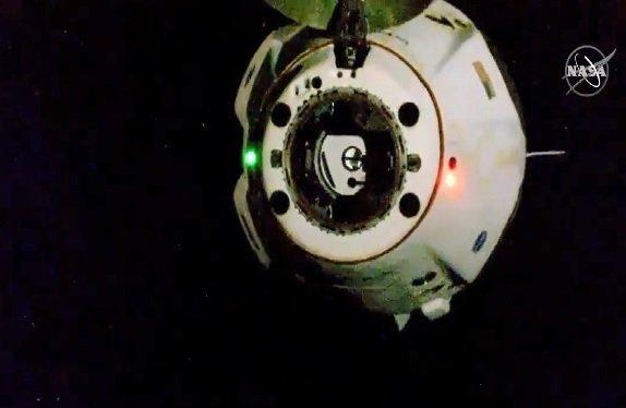 Crew Drgon взял курс на Землю