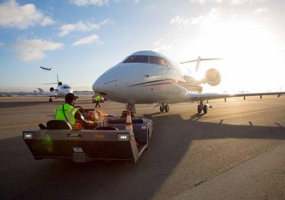 Blackstone и Гейтс пытаются договориться о приобретении Signature Aviation