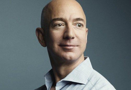 Безос заработал 2,5 млрд USD на продаже акций Amazon