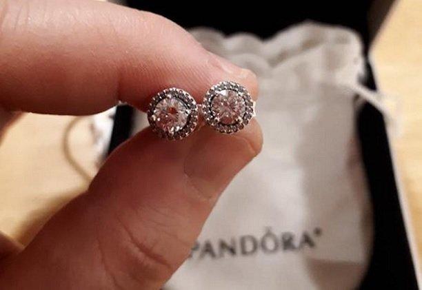 Стоимость акций Pandora увеличилась на 9% благодаря отказу от натуральных камней