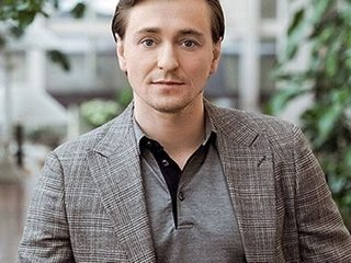 1540105139_famous-actor-bezrukov-sergey.jpg